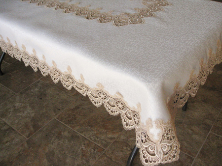 Charmant Tablecloth